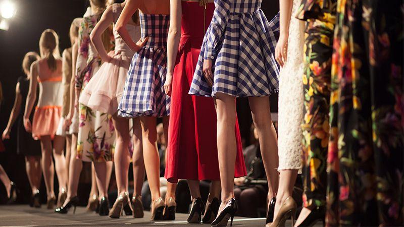 Model sepatu wanita - Panggung mode