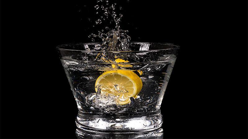 Cara Menghilangkan Bekas Jerawat Secara Alami -Air Lemon