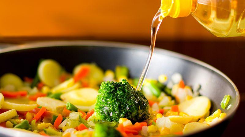 Cara Memasak Makanan Diet - Menumis