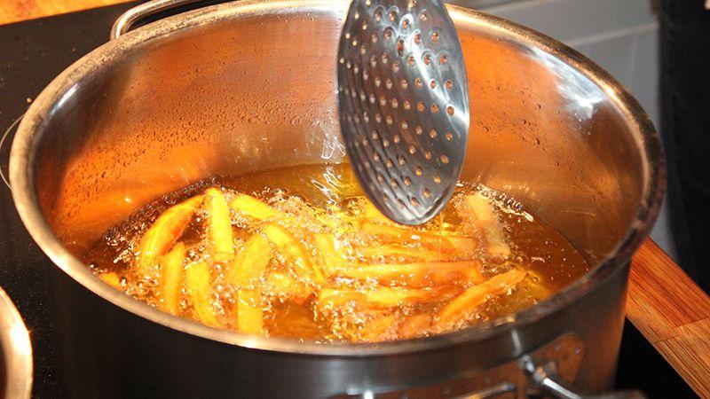 Cara Memasak Makanan Sehari Hari - Menggoreng Kentang