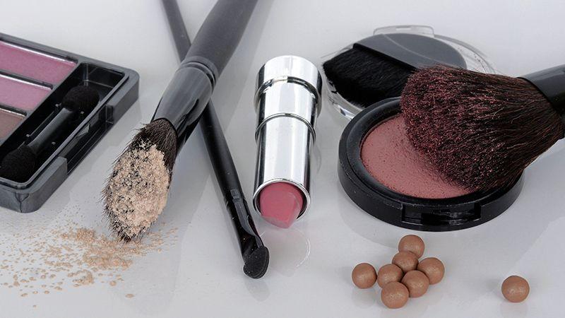 Tutorial Make Up Natural - Alat Rias