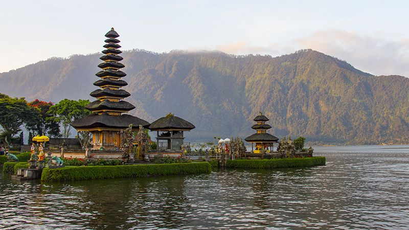 Tempat Wisata di Bali - Pura Ulun Danu