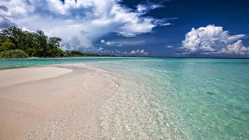 Pantai Terindah di Indonesia - Pasir Putih