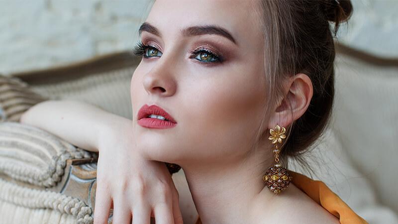 Video Cara Make Up yang Benar - Wanita Cantik