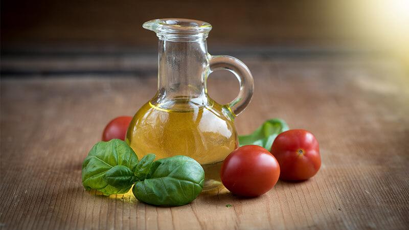 Cara Merawat Wajah Secara Alami - Minyak Zaitun dan Tomat